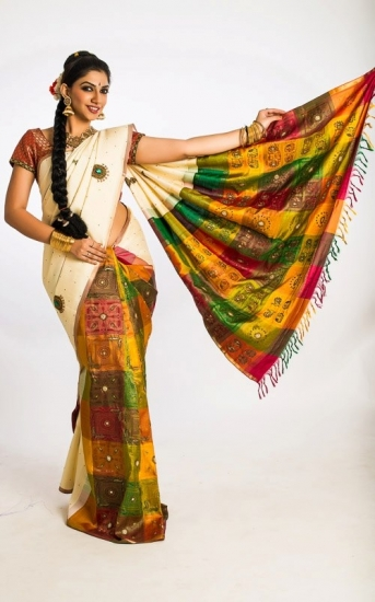 White Saree  kanjeevaram silk with temple jewellery