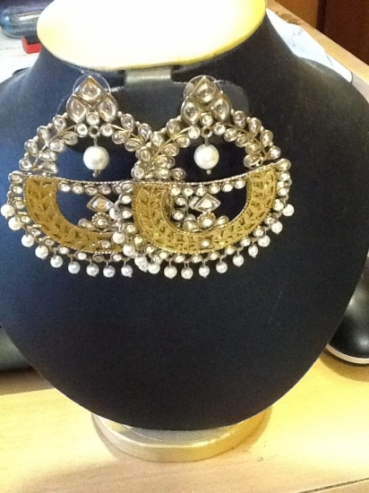 Semi circle jumka with pearls