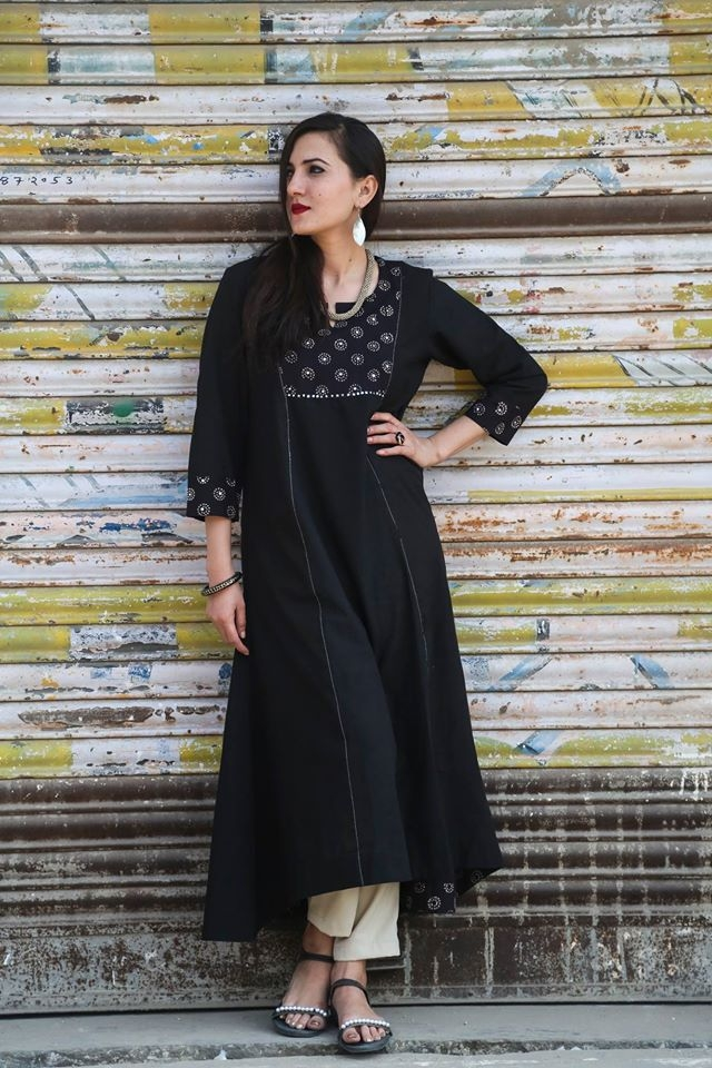 SR-RB RAJINI LONG WRINKIED KURTA BLK
