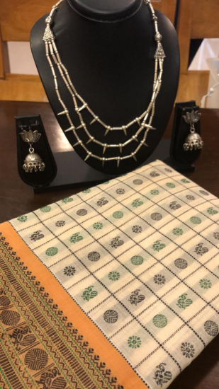 Handloom cotton and jewellery